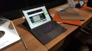 Transformer 3 pro je konkurenca Microsoftovemu izdelku surface pro.