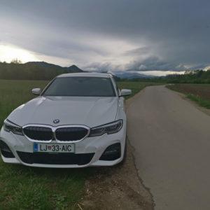 BMW 330e: Hibridna »raketa« s premajhno baterijo (#video)