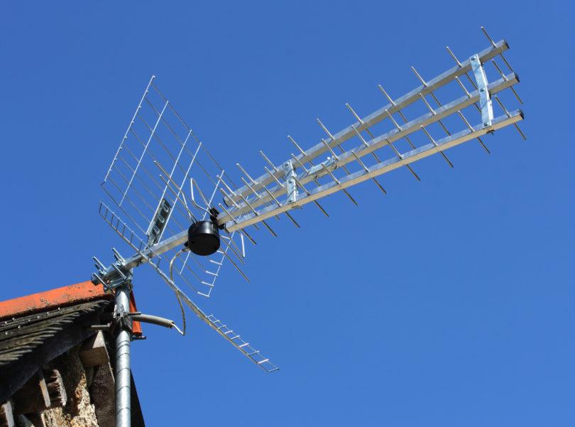 KONEC DEKADE: Na antene so pozabili izdajatelji programov, gledalci, regulator in država