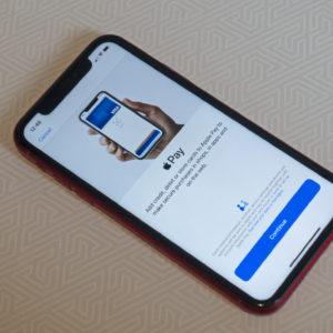 Intesa Sanpaolo je prva »slovenska« banka v sistemu Apple Pay