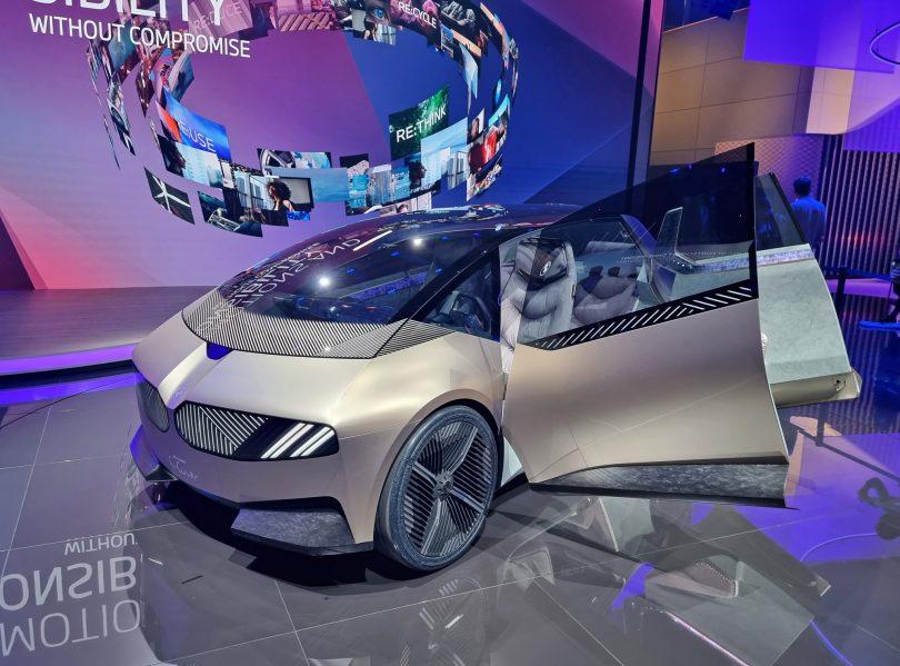 BMW-jevo predvidevanje, s čim se bomo vozili čez dvajset let