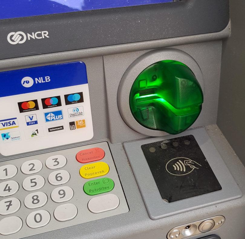 NLB uvaja brezstične bankomate in napoveduje plačevanje s telefoni