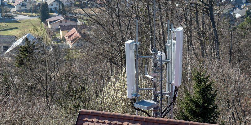 Frekvence za 5G razdeljene: Akos, A1, Telekom in Telemach so z izidom dražbe lahko zadovoljni, T-2 najbrž ne