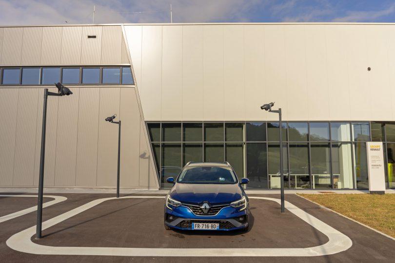 Renault e-Tech: Elektrika, poročena z bencinom