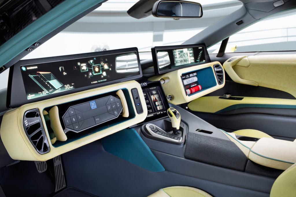 Konceptna avtomobilska notranjost. Foto Harman