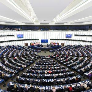 Direktiva o avtorskih pravicah gre nazaj v razpravo