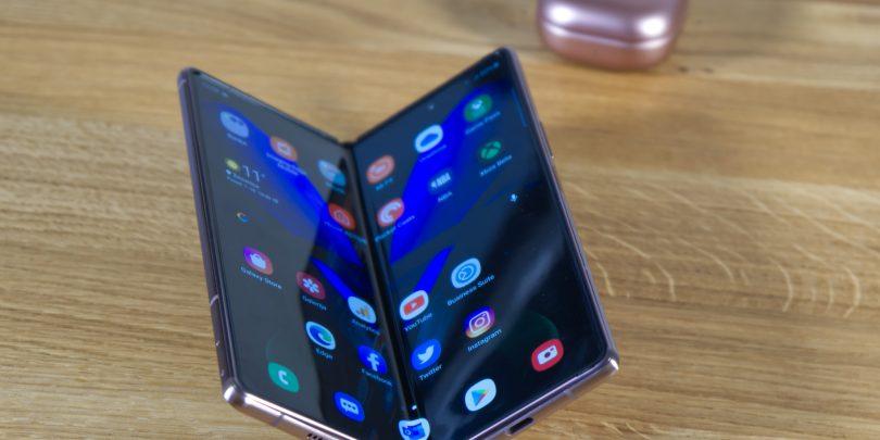 Samsung Galaxy Z Fold2 5G: Samo še malo manjka (#video)