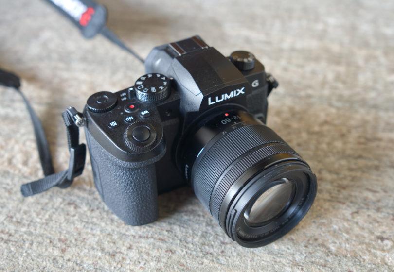 Panasonic Lumix G90: Dober aparat v neugodni poziciji