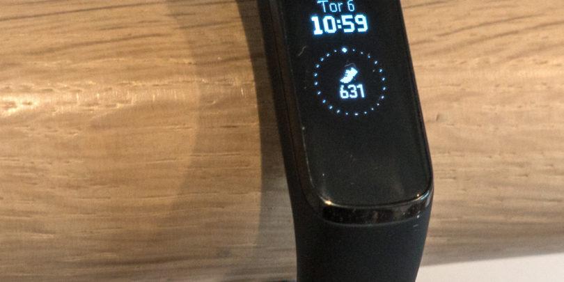 Samsung Galaxy Fit e: Kaj se izgubi, če ceno znižaš za več kot polovico?
