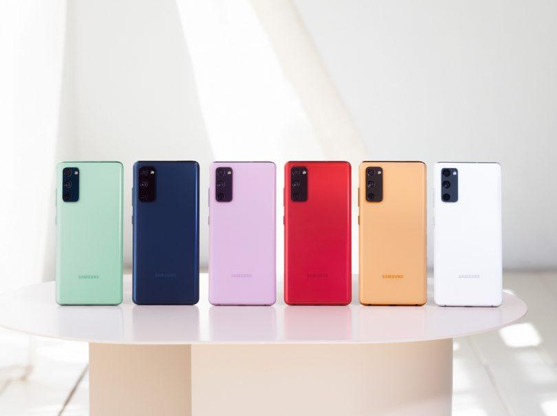 Samsungov Galaxy S20 FE proti pandemiji in iPhonu 12