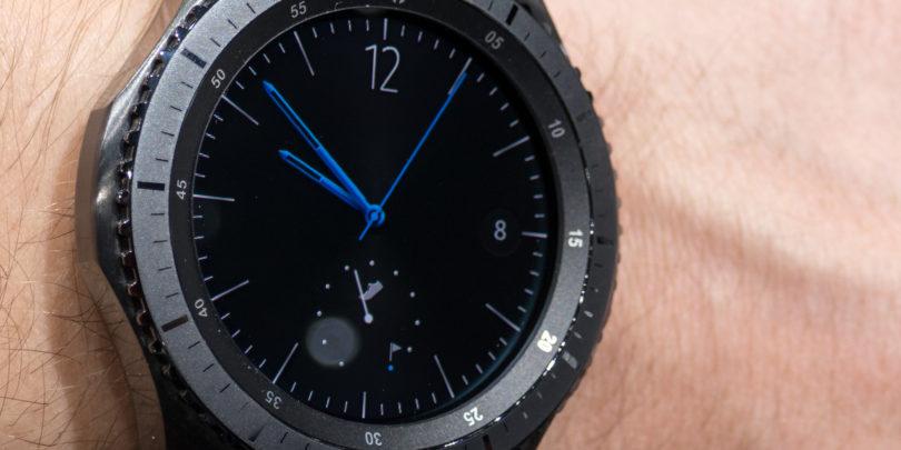 Pametne ure, kot je Samsungova Gear S3, počasi izkazujejo svojo vrednost