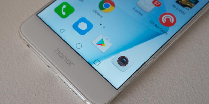 Honor 8: Cenejši, malo slabši, a prijetnejši Huawei P9