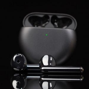 V Sloveniji že na voljo brezžične slušalke Huawei FreeBuds 4