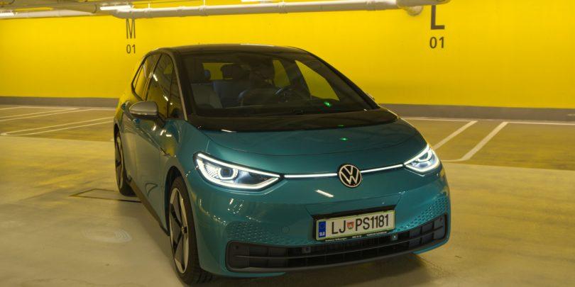 Volkswagen ID.3: Kakšen je v živo in na cesti, koliko stane in ostale podrobnosti (#video)