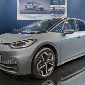 Volkswagen ID.3 se je dalo videti, peljati pa ga bo mogoče čez pol leta (#video)
