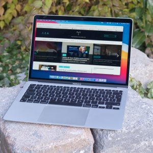 »Ne splača se kupiti drugega prenosnika kot Macbooka Air«