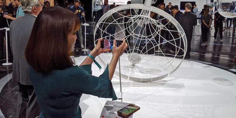 Kaj je storiti Huaweiju in kaj morebitnim kupcem njegovih telefonov brez ekosistema aplikacij in storitev?
