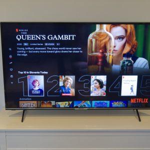 Medion Life X15553: Perfekten poceni televizor za kratkočasenje z Netflixom in Youtubom