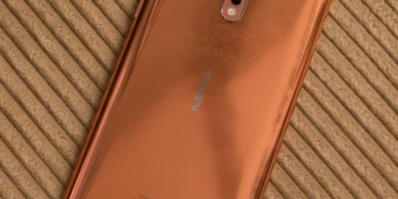 Nokia 8 ni tehnološka prvakinja, je pa simpatična in obetavna