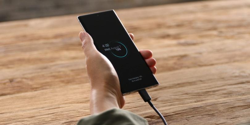 Nekatere lastnosti so iz telefonov pregnali proizvajalci, druge napredek