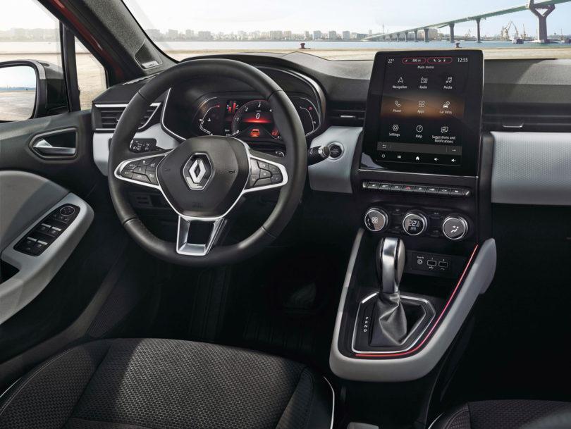 Novi Renault Clio ima mogoče najlepše integrirano tablico na armaturni plošči (#VIDEO)