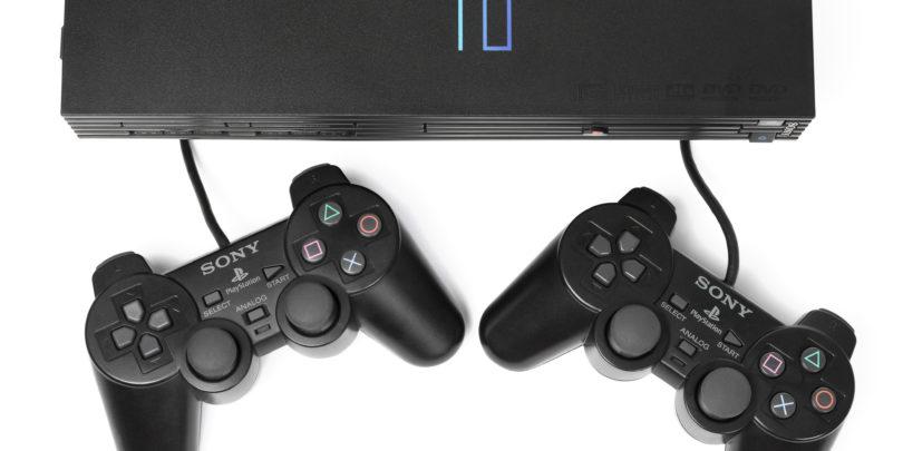 Playstation 2 še vedno na vrhu med vsemi igralnimi konzolami