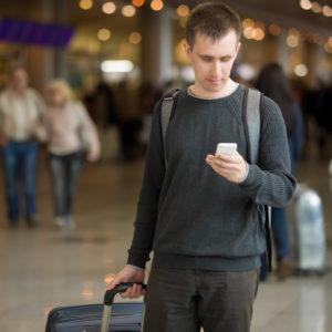 Operaterji svojim uporabnikom ob vrnitvi iz tujine pošljejo SMS, naj bodo pozorni na svoje zdravje