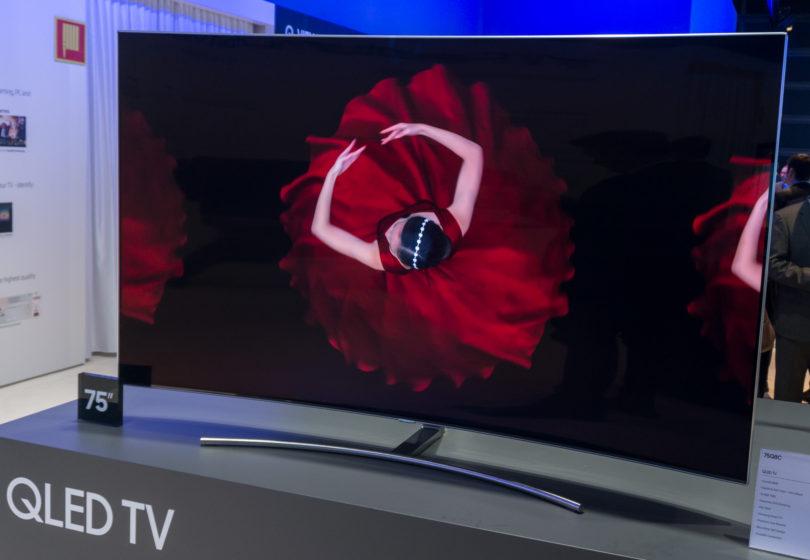 Samsung trdi, da je njegov QLED boljši in za televizorje primernejši kot OLED