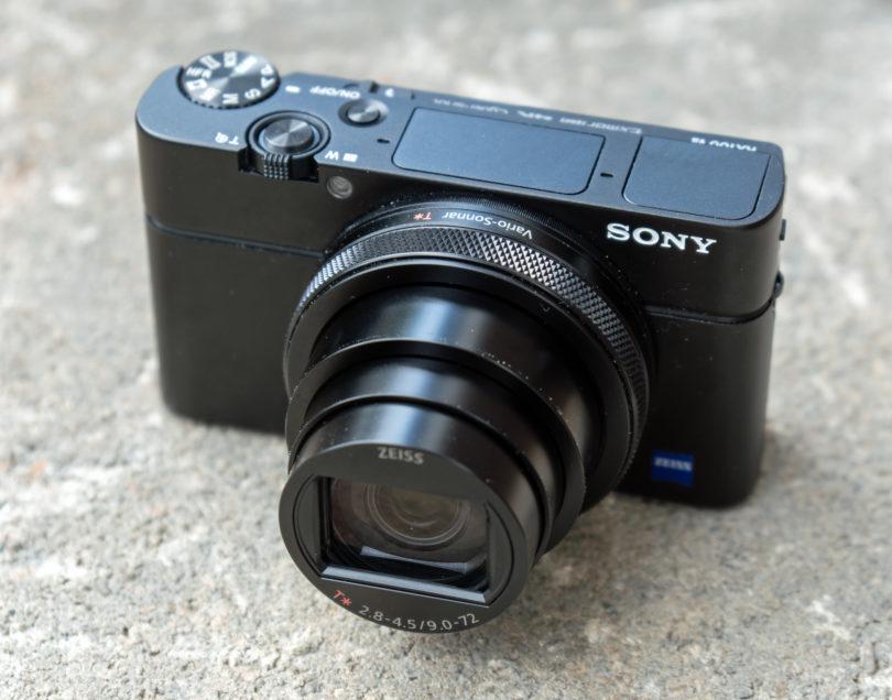 Sony RX100 VII: Blizu smo, a še vedno čakamo idealnega superžepnika (#video)