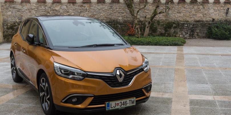 Renault je Scenica postavil višje in mu vgradil znano tehnologijo