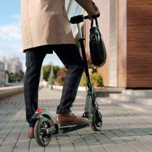 Prihodnost mobilnosti predpostavlja veliko odrekanja in prilagajanja namesto dozdajšnje svobode?