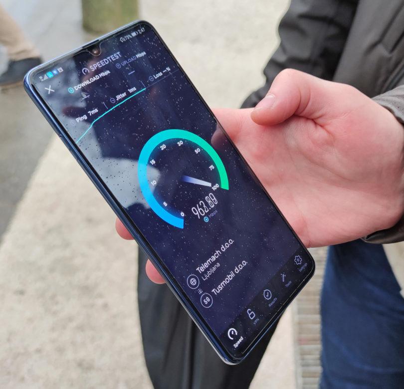 Telemachov testni 5G pleše okrog gigabitnih hitrosti