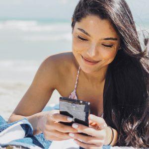 Evropska komisija bi regulacijo roaminga podaljšala za deset let in še okrepila