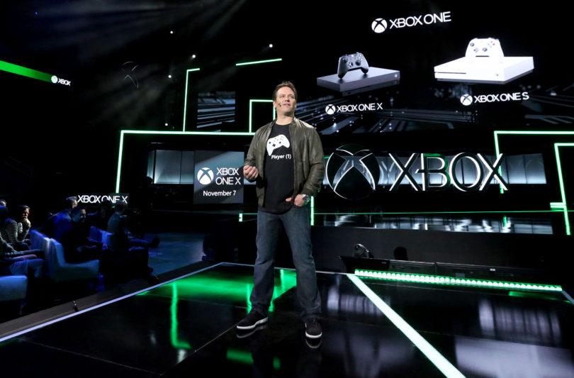 Xbox One X je najbolj napredna, a tudi najdražja igralna konzola