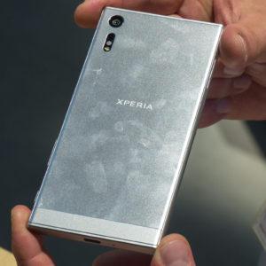 Sony spet stavi na fotoaparat, a spet utegne razočarati
