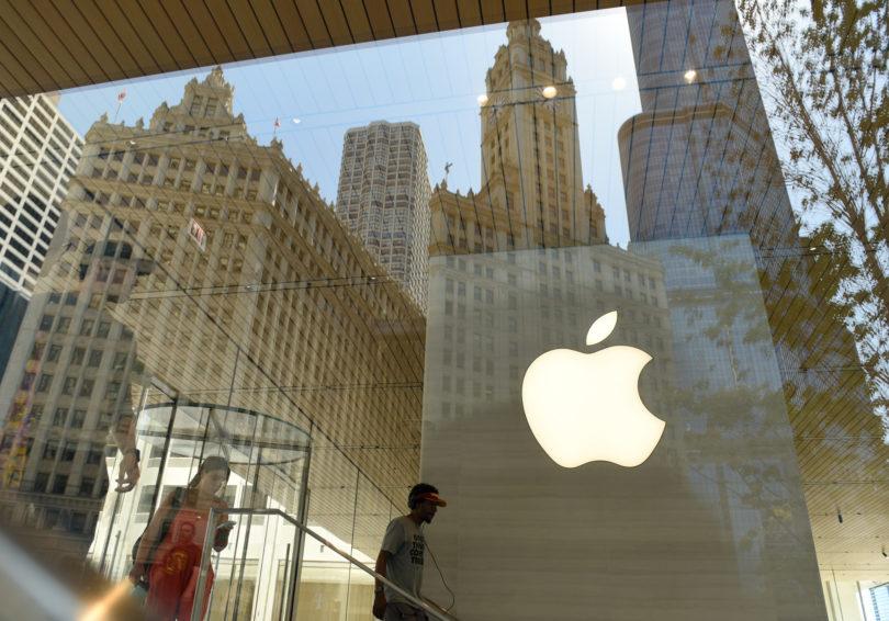 Apple bo Američanom plačal odškodnino, za Slovence pa mu je malo mar!