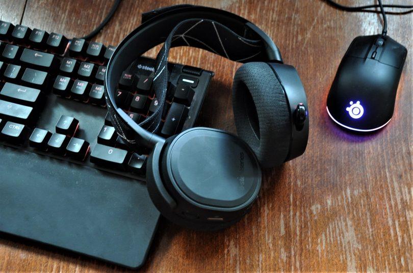 SteelSeries Arctis 9: Morda te bo zmotila cena teh igričarskih slušalk