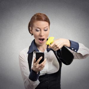 NEDELJSKI NASVET: Kako pravilno in varno očistiti pametni telefon, da se ne okužite s koronavirusom?
