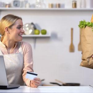 Več poslovanja na spletu in plačevanja s karticami?