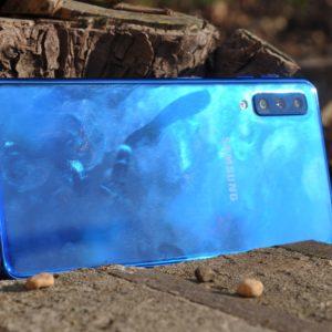 Galaxy A7: Dokaj zanimiv telefon za še sprejemljivo ceno