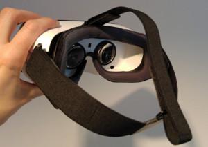 Samsung je z očali gear vr doslej naredil še največ za prodor navidezne resničnosti med množice. Foto Matjaž Ropret