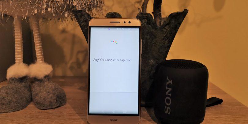 NEDELJSKI NASVET: Naj stari telefon postane pametni zvočnik z Googlovim pomočnikom