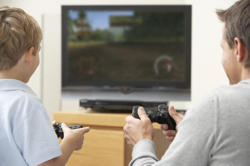 Pisma Miklavžu (2019): Sprijaznite se, igre niso zapravljanje časa in prav gotovo ne hudičeva iznajdba!