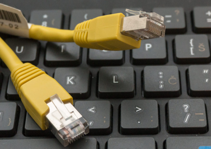 Ministrstvo je opustilo idejo o davku na internet in išče alternative