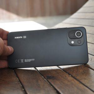 Xiaomi Mi 11 Lite 5G: Dražji kot Redmi Note 10 Pro, a si vseeno zasluži pozornost