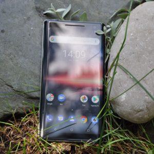 Nokia 8 Sirocco: v katerikoli barvi, dokler je ta barva črna