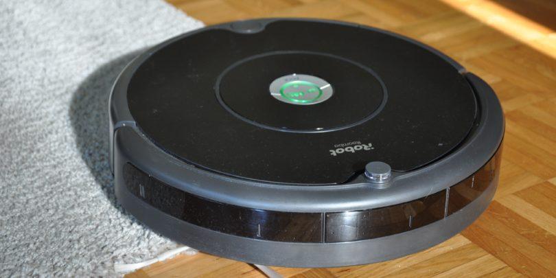 Roomba 606: Najcenejša iz »hleva«, a hudirjevo uporabna(# VIDEO)