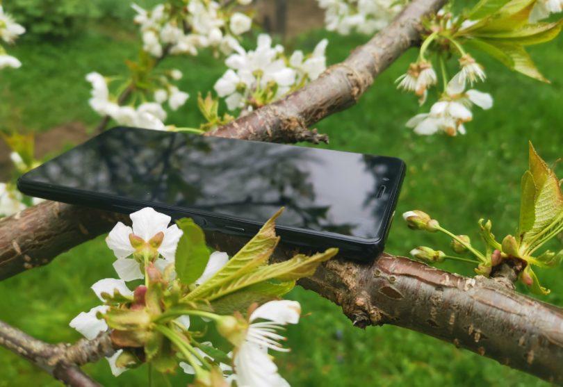 Sony Xperia L3: Ni pretirano zanimiv, a izpolni večino zahtev