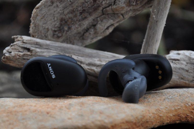 Sony WF-SP800N: Zaradi potu ali dežja ne bodo šle rakom žvižgat!