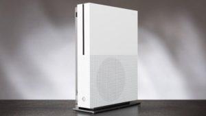 Xbox One S je pomanjšana različica originalne konzole s podporo za 4K in HDR v videu in ploščke Ultra HD Blu-ray. Foto Microsoft